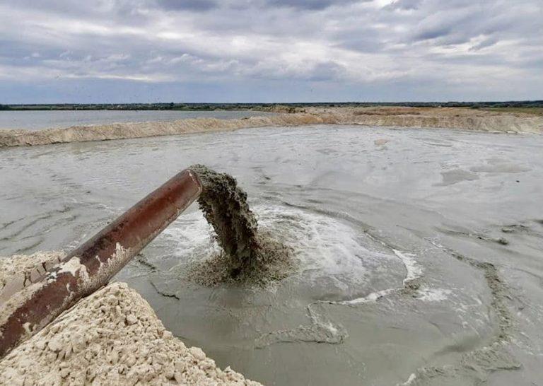 Херсонский порт возобновил добычу песка на Шабовском месторождении