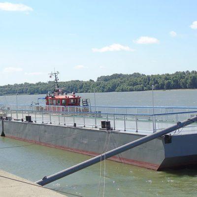 Измаильский морвокзал получил понтоны плавучего причала из докового ремонта