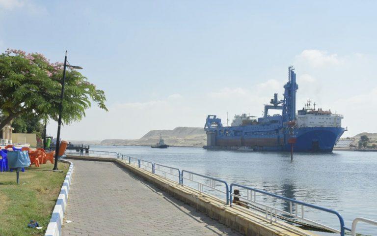 Самый большой на Ближнем Востоке земснаряд прибыл для работы в Суэцком канале