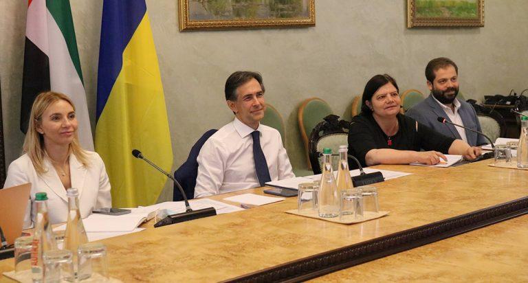 Украина и ОАЭ заявили о готовности развивать отношения в разных сферах