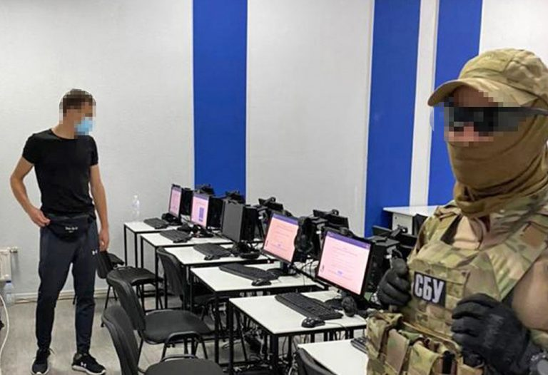 СБУ заблокировала масштабную «схему» при оформлении документов моряков