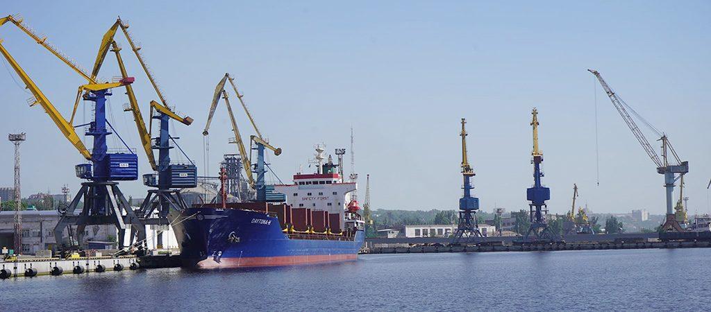 Морпорты сократили количество обработанных судов на 7% в первом полугодии