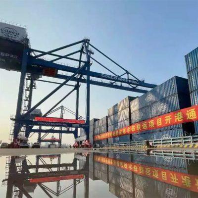 Cosco запустила портово-железнодорожный терминал в Ухане