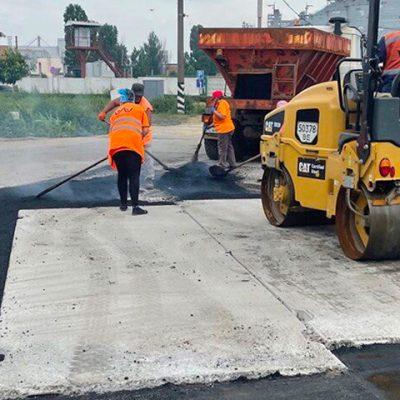 «Ника-Тера» и «ЕВТ» восстановили проблемные участки дорог в Николаеве