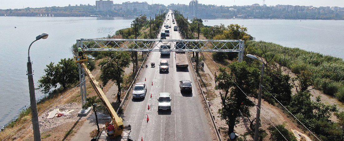«Укравтодор» начал монтаж системы WiM на Варваровском мосту в Николаеве