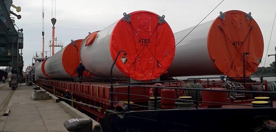 Ренийский порт перегружает крупногабаритное оборудование для Днестровской ВЭС