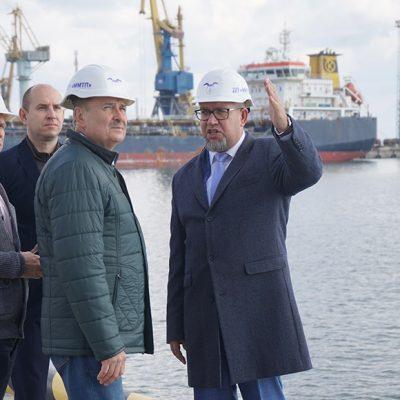 Госстивидор ММТП запланировал строительство контейнерного терминала