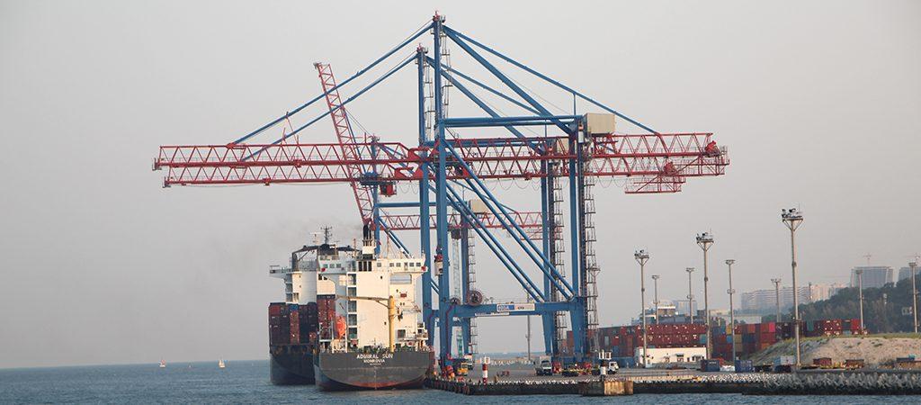 Одесский порт объявил повторный тендер на достройку волнолома на Карантинном молу