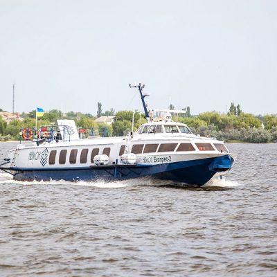 «Нибулон» завершил сезон пассажирских перевозок в Голую Пристань