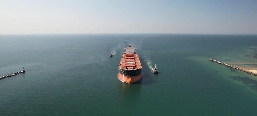 Порт «Пивденный» обработал 700 судов с начала года