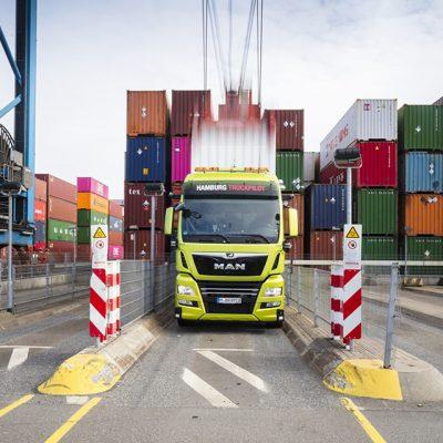 HHLA и MAN провели испытания беспилотной фуры на контейнерном терминале в Гамбурге