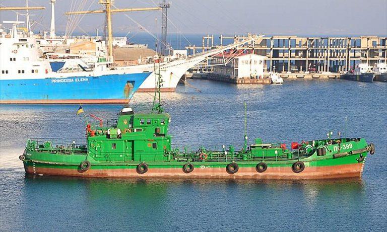 Одесский порт отправит в ремонт судно-сборщик льяльных вод